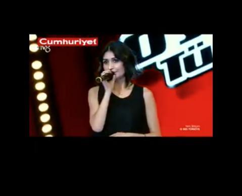 O Ses Türkiye'de Ebru Gündeş Dersim'i karadenizde zannediyor.!!!
